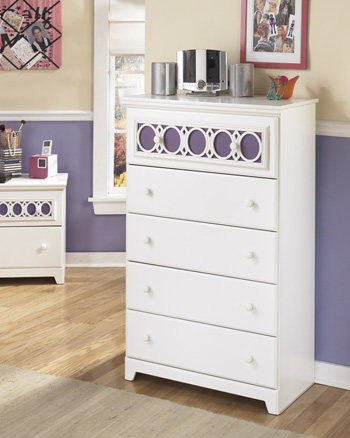 Signature Design by Ashley®ZayleyFive Drawer Chest