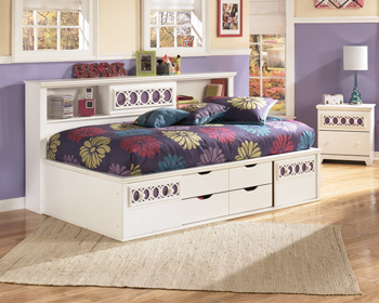 Signature by AshleyTwin/Full Storage Footboard