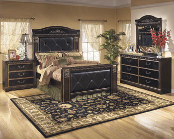 Signature Design by Ashley®Coal CreekQueen UPH Mansion Footboard
