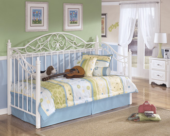 Signature by AshleyMetal Day Bed with Deck