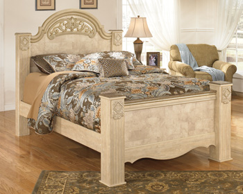 Signature Design By AshleySaveahaQueen Poster Footboard