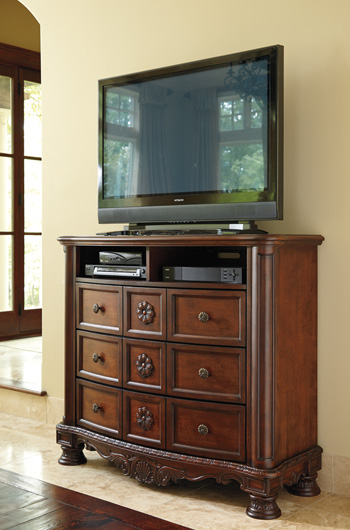 Millennium®North ShoreMedia Chest