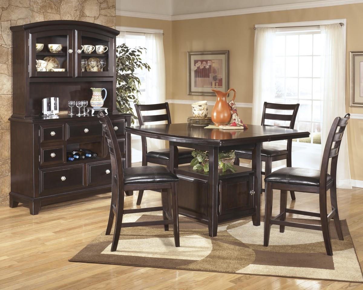 D520 32 signature design by ashley ridgley ridgley for Ridgley dining room set