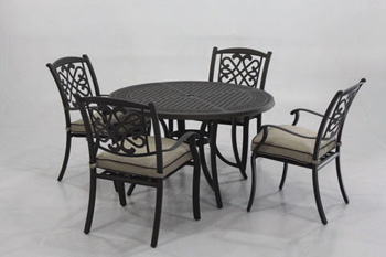 Signature Design by Ashley®BurnellaRound Dining Table with UMB OPT