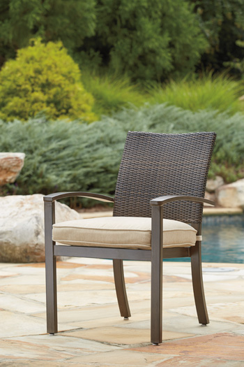 Signature Design by Ashley®MoresdaleChair with Cushion (4/CN)