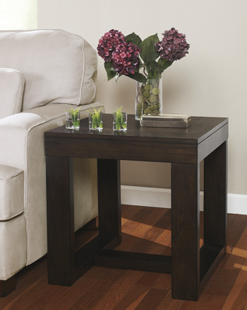 Signature by AshleyWatsonSquare End Table